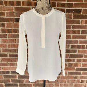 NWT NYDJ cream color blouse